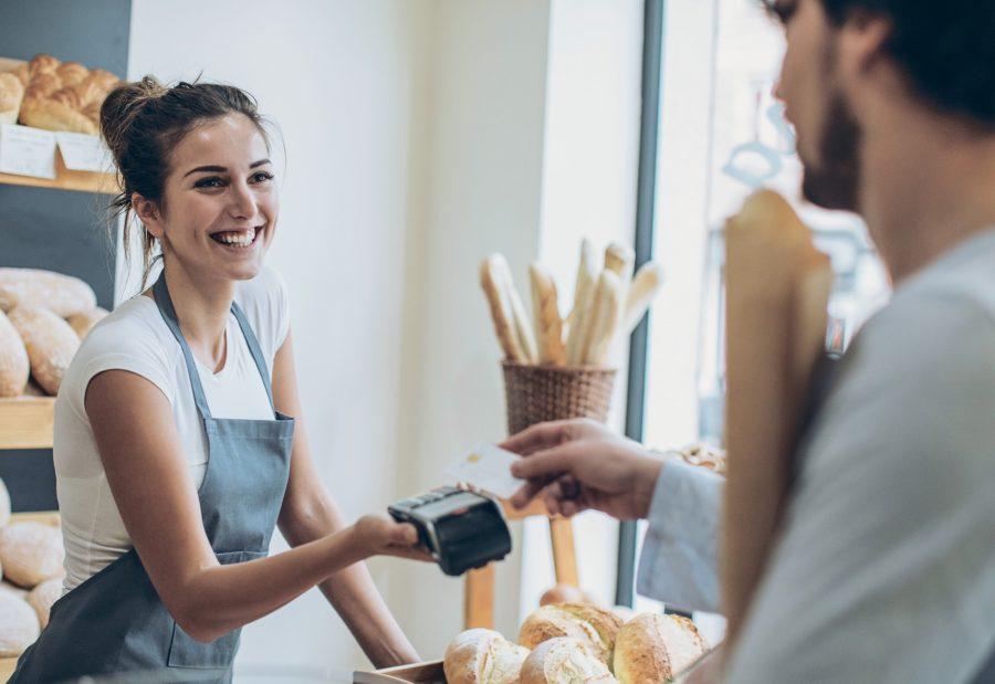 Продавать товары с применением кассы
