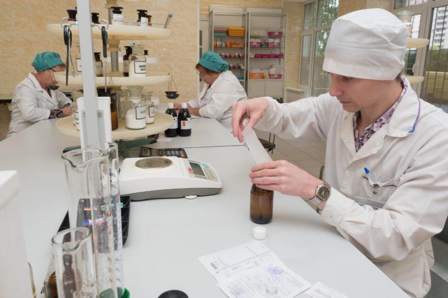Изготовление лекарств в медицине