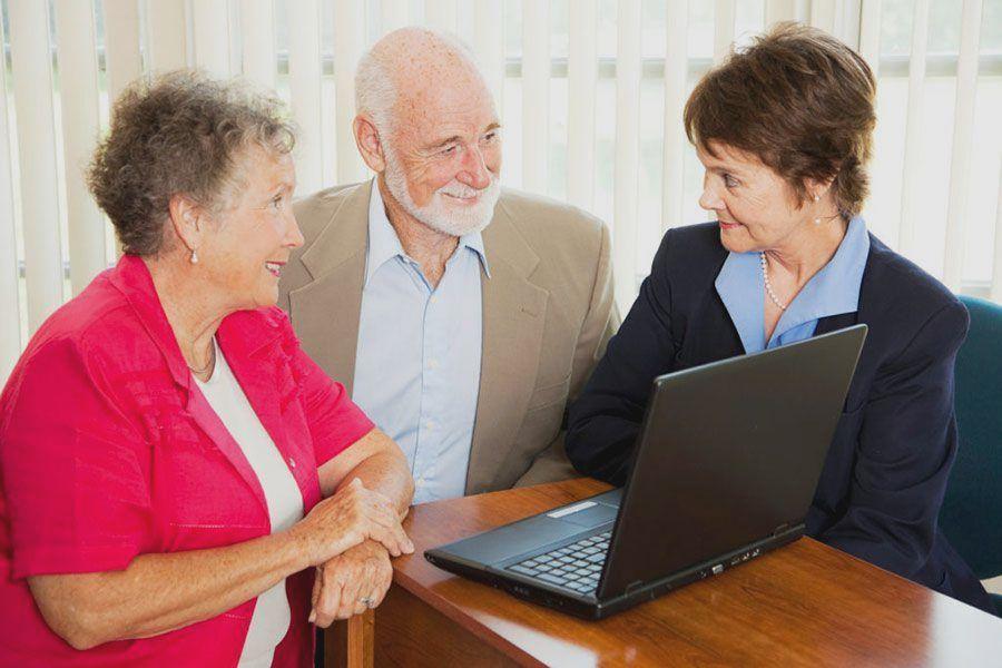 Пенсионер занимающийся адвокатской деятельностью