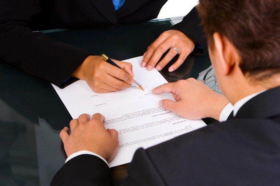 Сделка заключается между ООО и ИП