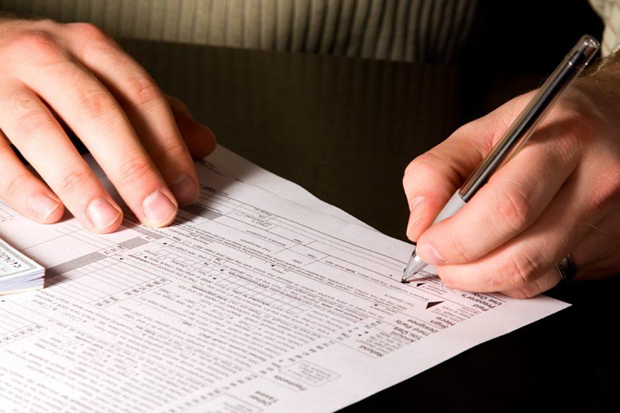 Сдавать декларацию в налоговую