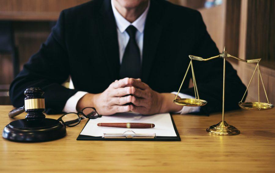 Адвокаты и юристы не могут стать ИП