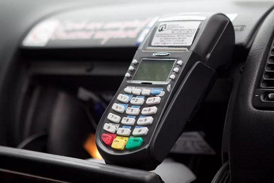 Кассовая техника в автомобиле такси
